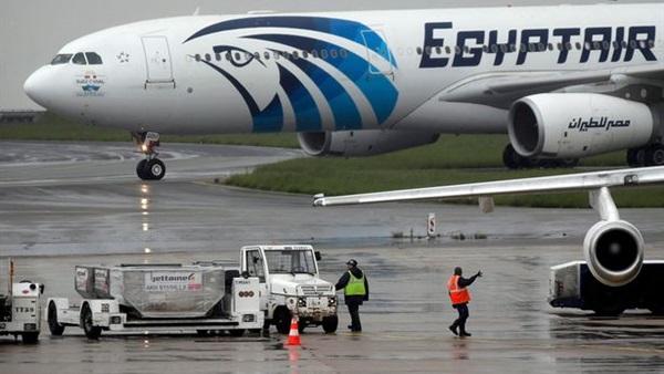 عاجل.. تفاصيل مثيرة وراء هبوط إضطراري لطائرة مصر للطيران في إيرلندا منذ لحظات