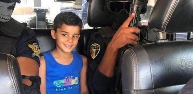 فيديو جديد للحظة تسليم طفل الشروق لأهله بعد تحرير قوات الأمن له من خاطفيه