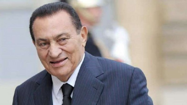 بالصور.. الرئيس الأسبق حسني مبارك يصدم جموع المصريين في أحدث ظهور له
