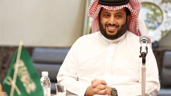 """تركي آل الشيخ يهدي أحدث أغاني عمرو دياب للنادي """"اللي في باله"""" عبر فيس بوك"""