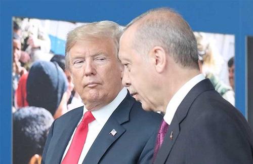 """""""ترامب"""" يتحدى مجددًا: قضية القس الأمريكي المحتجز في تركيا لن تمر مرور الكرام.. وهذا ما سنتخذه خلال الأيام المقبلة"""