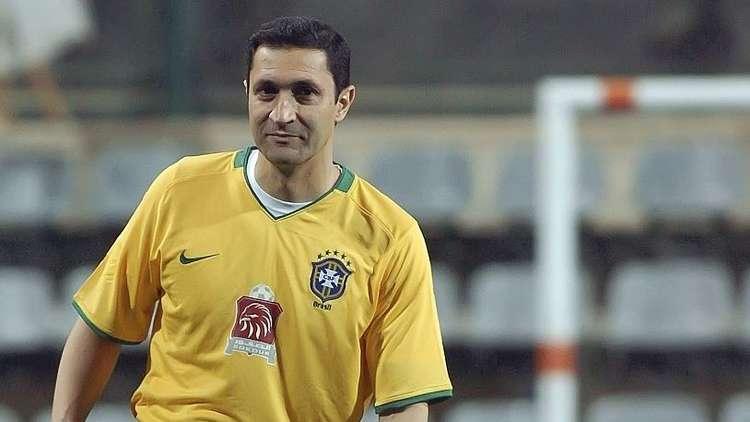 تصريحات نارية.. علاء مبارك يكشف حقيقة تفكيره في شراء نادي ليفربول