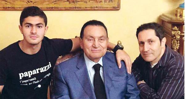 """صورة جديدة لـ """"حفيد مبارك"""" في نادي الملوك تثير جدل واسع.. والجمهور يعلق: """"حقك تعمل كده"""""""