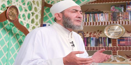 داعية إسلامي يردّ على الساخرين منه بشأن حديثه مع الجنّ عبر الهاتف