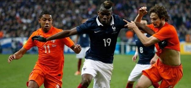 ترددات القنوات المفتوحة الناقلة لمباراة فرنسا وهولندا اليوم وموعد المباراة