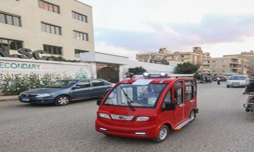 بالصور   توك توك كهربائي وله 4 أبواب وشبابيك ويسير على 4 عجلات يغزو مصر قريبًا 4