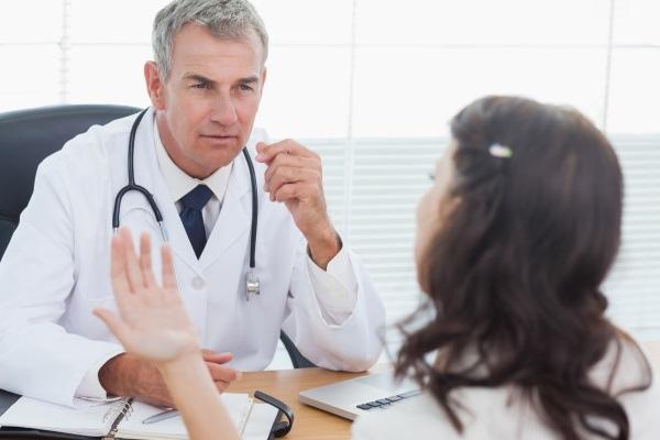 سرطان عنق الرحم : أعراضه وعوامل خطورته على النساء؟