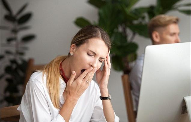 مخاطر الشعور بالنعاس خلال النهار .. خطر الإصابة بمرض الزهايمر