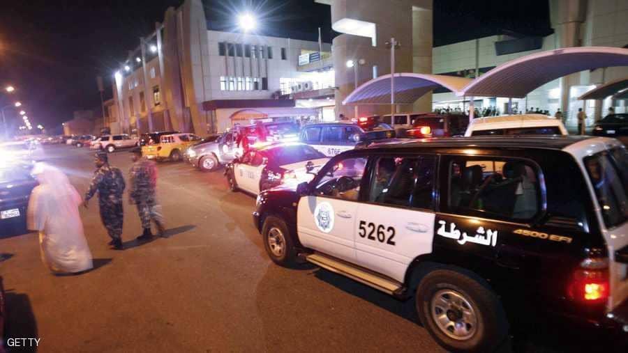 """عاجل.. تفاصيل مثيرة وراء القبض على """"3 مواطنين مصريين"""" في الكويت بسبب الخيانة الزوجية !!"""