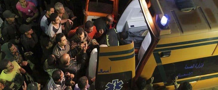 """ماذا يحدث في أسيوط؟؟.. يوم """"إنهيار المنازل"""" على السكان.. والصحة: 18 ضحية حتى الآن !!"""