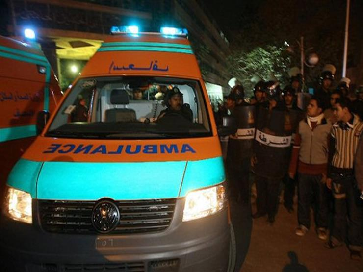 """""""يحدث في مصر"""".. طفل يسرق سيارة إسعاف لينقل والده إلى المستشفى !!"""