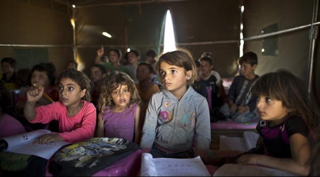 """رسميًا.. أول دولة عربية تطالب بتدريس """"المواد الجنسية"""" للأطفال !"""