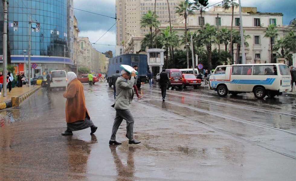"""عاجل.. الأرصاد تحذر المواطنين من الطقس خلال الأيام المقبلة.. وتؤكد: """"ظواهر غريبة تضرب البلاد لأول مرة"""" !"""