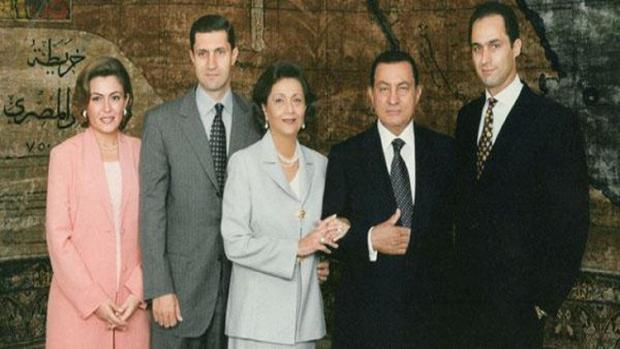 """بعد قليل.. عائلة """"حسني مبارك"""" تنتظر حكم تاريخي من المحكمة الإدارية العليا"""
