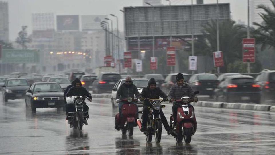 """عاجل.. الأرصاد الجوية: """"الحر خلص"""".. وموجة سيول وأمطار غزيرة تضرب عدة محافظات خلال أيام"""