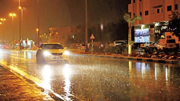 عاجل.. أمطار وسيول تضرب عدة محافظات منذ قليل.. والأرصاد: موجة سيول جديدة تضرب مصر خلال 48 ساعة