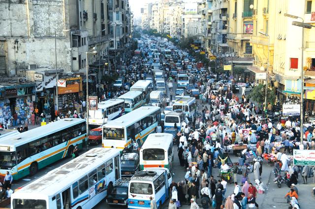 """قرار تاريخي من الحكومة لإنهاء """"الزحام المروري"""" في القاهرة.. وبداية تنفيذه صباح السبت"""