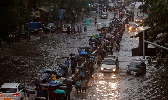 «4درجات فقط » الأرصاد الجوية تُحذر من أمطار غزيرة مساء اليوم وغداً على تلك المناطق «فيديو»