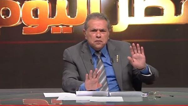 بالفيديو  توفيق عكاشة ينتقد الحجاب : بيفكرني بهذا الأمر