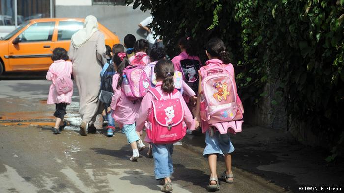"""""""فضيحة مدوية"""".. مدرس يتحرش بـ 5 طالبات داخل مدرسة إبتدائي.. وأول موقف من وزارة التعليم!!"""