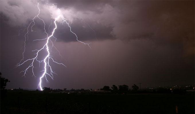 عاجل.. الأرصاد تحذر: سقوط أمطار غزيرة على تلك المحافظات خلال ساعات.. وتطالب برفع حالة الطوارئ فورًا
