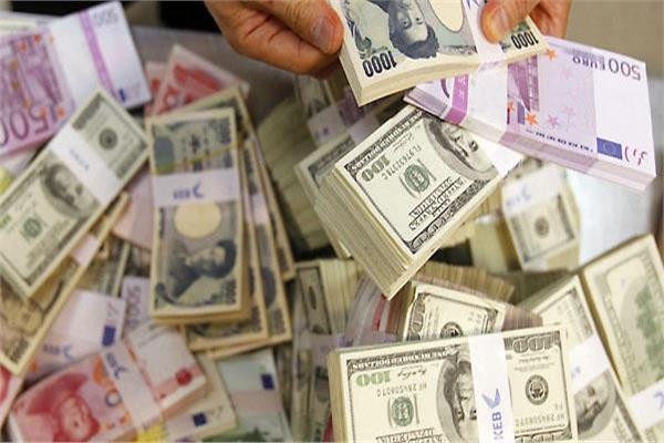 أسعار العملات اليوم في السوق السوداء وشركات الصرافة