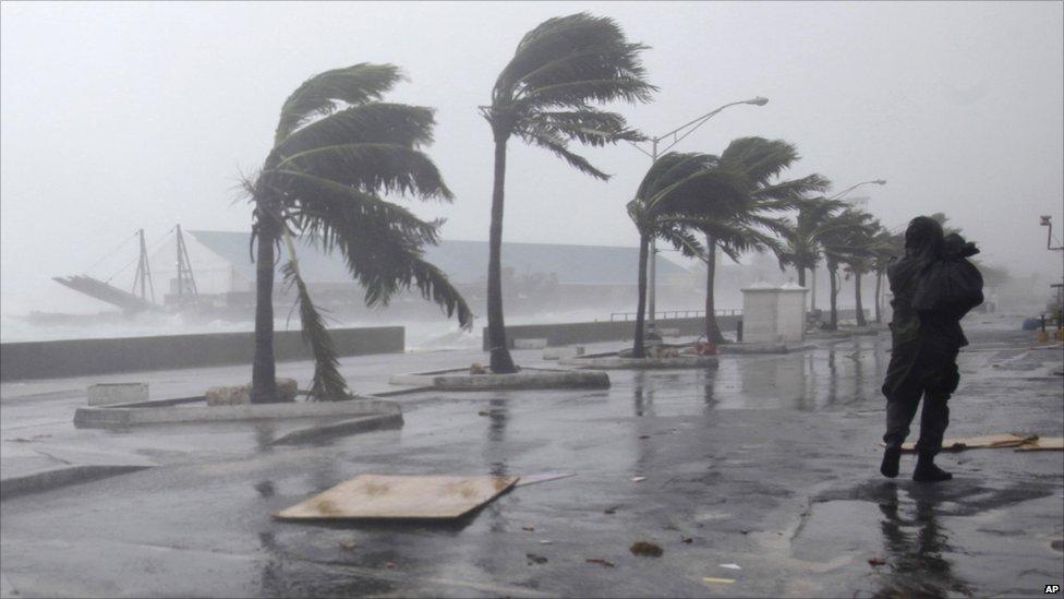 بالفيديو.. رئيس الأرصاد الجوية يُحذر جميع المواطنين من التقلبات الجوية خلال الفترة القادمة