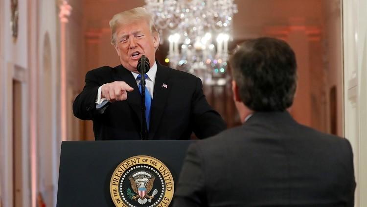 """ترامب يفقد السيطرة وينفعل ضد صحفي في """"سي أن أن"""" في مؤتمر صحفي ويوبخه بألفاظ نابية – فيديو-"""