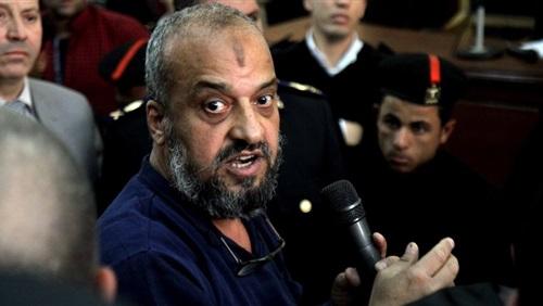 """بالتفاصيل.. تصرف مفاجئ لـ """"محمد البلتاجي"""" يثير الجدل داخل المحكمة.. والقاضي يطرده خارج القاعة!"""