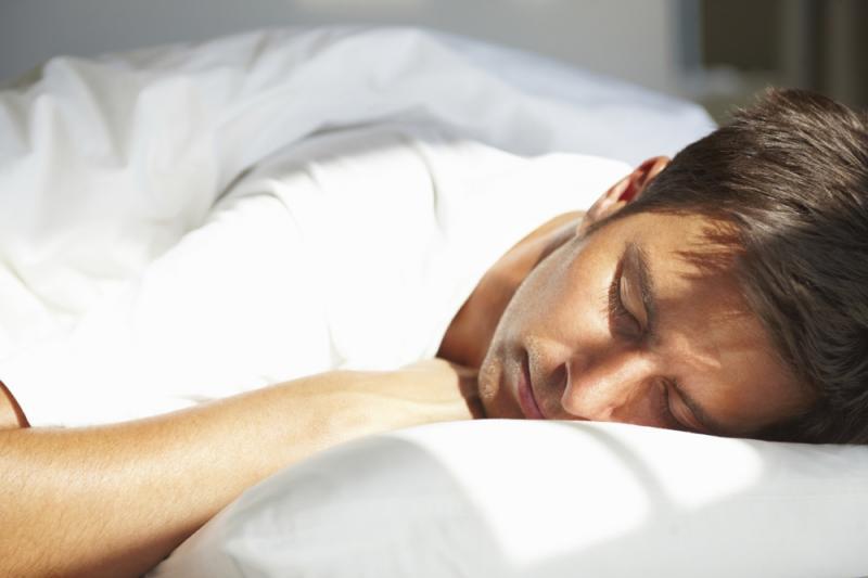 حيلة مجربة بمفعول سحري.. كيف تغرق في النوم خلال دقيقة؟