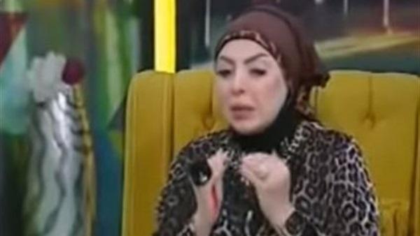 """مذيعة شهيرة تدخل في """"نوبة بكاء"""" على الهواء أمام الملايين.. والسبب يُصيب الجميع بالصدمة!!"""