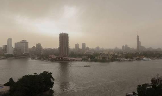"""عاجل.. الأرصاد تحذر المواطنين والحكومة وتؤكد: """"يوم صعب بإنتظار المصريين غدًا الثلاثاء"""""""