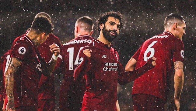 """ليفربول يقلب الطاولة على آرسنال سريعًا ويتقدم برباعية في الشوط الأول.. و""""صلاح"""" يصنع ويسجل وينفرد بصدارة الهدافين"""