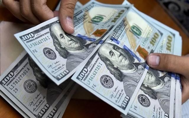 وزارة المالية تبرر ارتفاع سعر الدولار الجمركي للسلع الاستفزازية