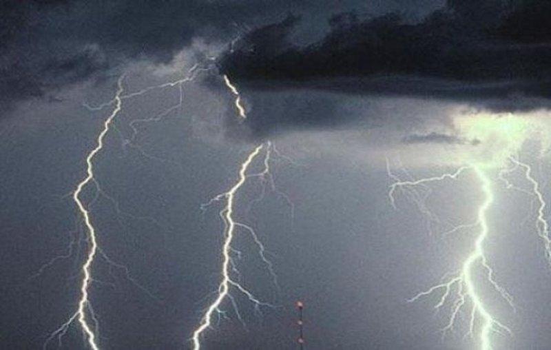 """الأرصاد تكشف تفاصيل """"طقس الأربعاء"""": أمطار تسقط هذه المحافظات والمناطق.. وموجة صقيع تجتاح البلاد !"""