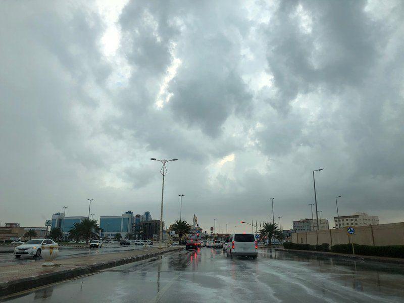 """عاجل.. الأرصاد تحذر المواطنين من """"موجة طقس سيئ"""" تضرب البلاد في هذا الموعد.. والأمطار والعواصف تعود من جديد"""