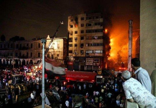 بالتفاصيل.. أول فيديو يوثق لحظة إنفجار شقة سكنية في محافظة الشرقية