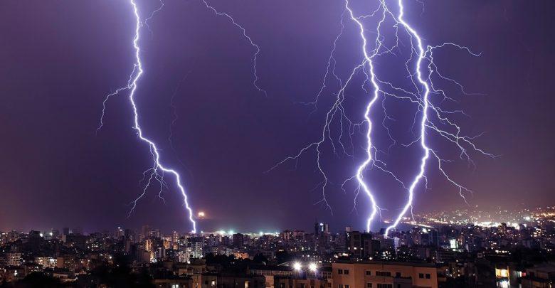 الأرصاد: أمطار وعواصف ترابية تضرب هذه المحافظات صباح الأربعاء.. وتحذير عاجل للمواطنين