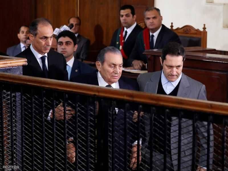 """عاجل.. """"عائلة مبارك"""" تنتظر حدث مصيري بعد ساعات.. وعلاء وجمال داخل المحكمة !!"""