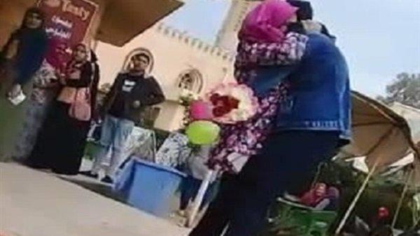 جامعة المنصور تخفف العقوبة على طالب الحقوق بطل فيديو «الحضن»