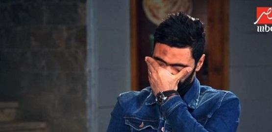 """يبكي على الهواء.. حسين الشحات عن والدته: """"اشتغلت كتير عشان تجيب لي الجزمة أم 78 جنيها"""""""
