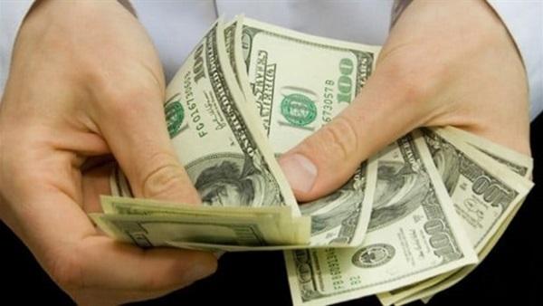 إنخفاض في أسعار الدولار داخل البنوك المصرية.. ومصدر رسمي: تراجع في أسعار هذه السلع خلال أيام