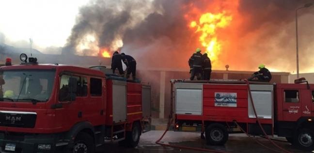 حريق هائل يضرب مخزن مواد غذائية في الغربية