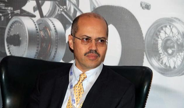 """د.احمد عبد الوهاب: """"خليها تصدى """" لها أضرار كبيرة وبالحسابات المنطقية أسعار السيارات يجب أن ترتفع نصف% ولا تنخفض"""