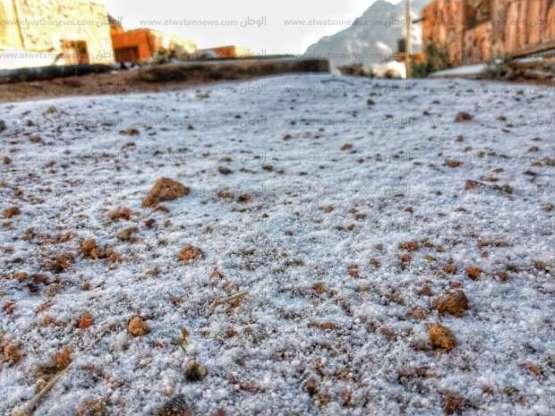 بالصور.. عاصفة ثلجية تضرب سانت كاترين ودرجة الحرارة 3 تحت الصفر والوحدة المحلية ترفع درجة الإستعداد القصوى