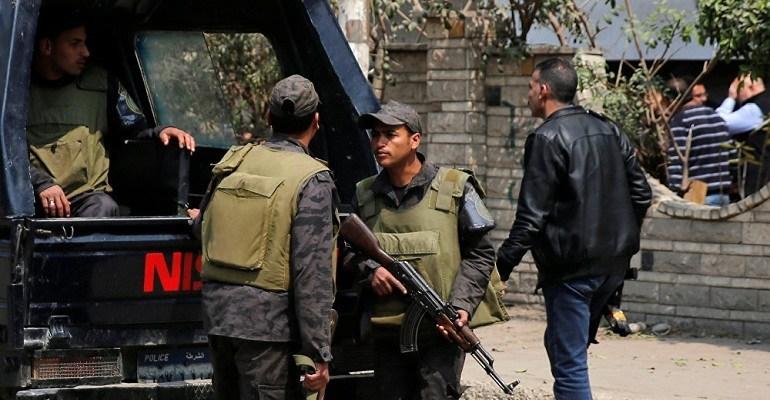 """""""صابون وليفة وكفن"""".. جسم غريب يثير الرعب داخل مسجد في حي الدقي بالجيزة !!"""