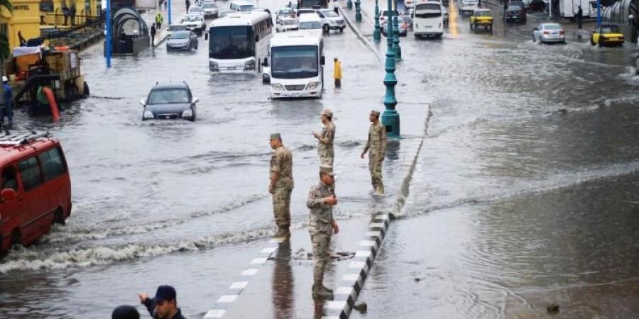 عاجل بالصور| هطول أمطار على الإسكندرية منذ قليل في آخر أيام «قاسم».. وتحرك سريع من شركة المياه
