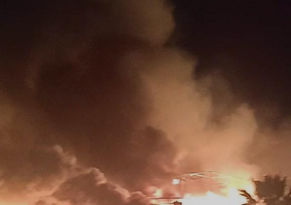بالصور| نشوب حريق بمصنع كتان على مساحة 15 فدان بالغربية منذ قليل والسيطرة عليه.. والداخلية تكشف التفاصيل وحجم الخسائر حتى الآن