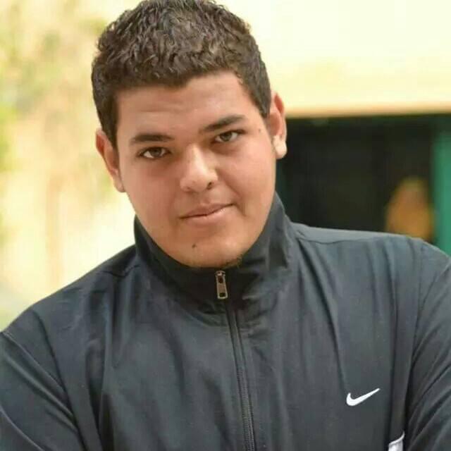 """مع اقتراب ذكرى وفاته الرابعة.. عماد مكي مدرب انبى يرسل لنجله """"أحمد"""" هذه الرسالة المؤثرة"""