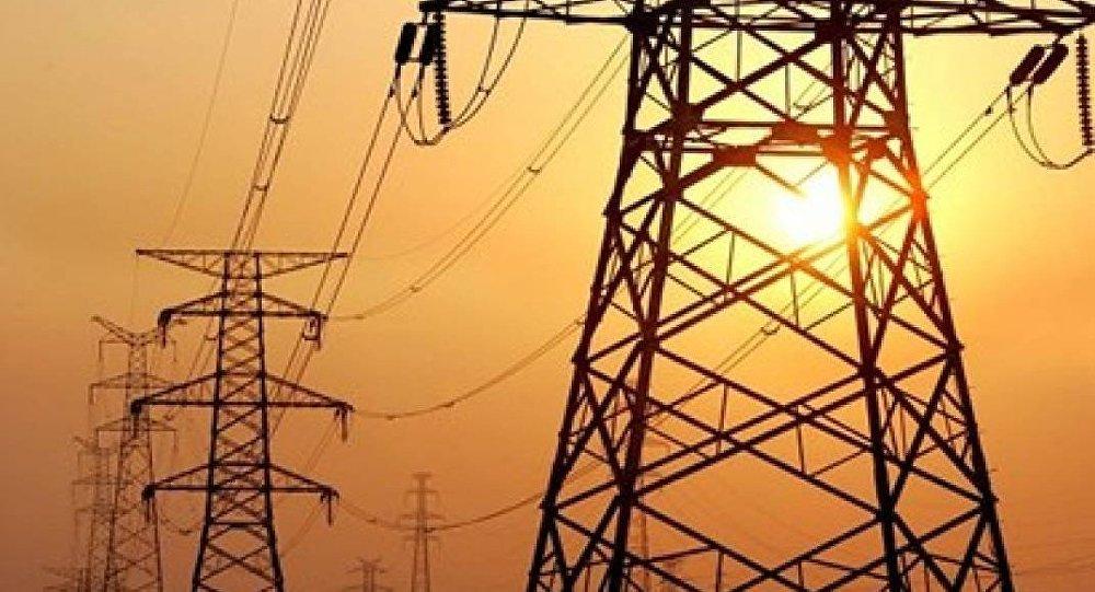 وزارة الكهرباء تعلن حالة الطوارئ لمواجهة العاصفة الترابية